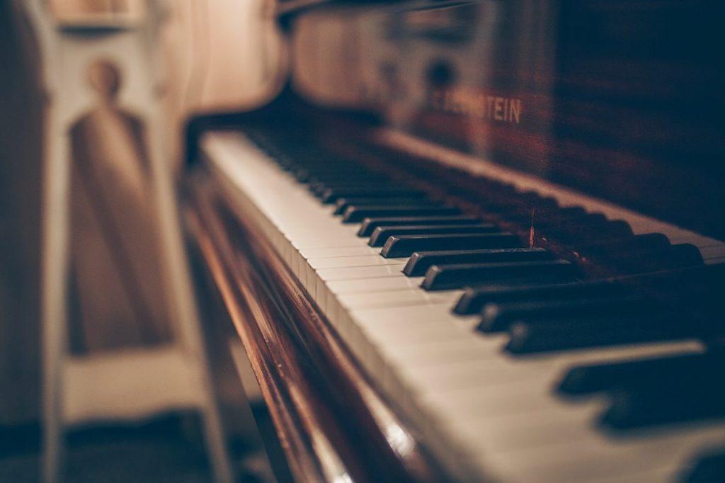 μεταφορά πιάνου από εταιρεία